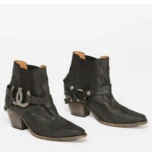 NEW FREE PEOPLE X UNDERSTATED LEATHER BOOTIE